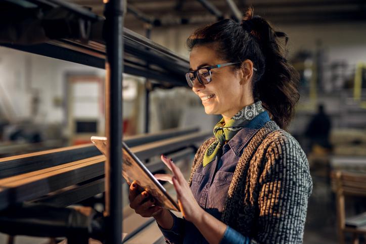 5 benefícios do controle de estoque online